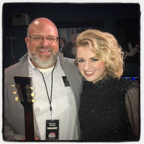 Maddie Poppe and her father
