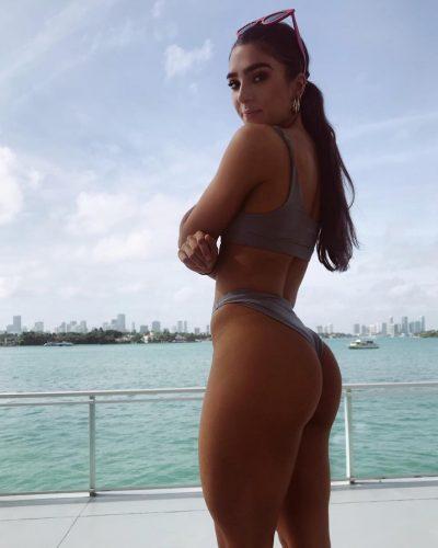 STEFANIE WILLIAMS on a bikini