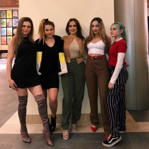 Daryna Popach with her friends