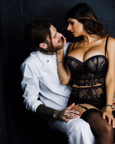 Robert Sandberg with his girlfriend, Mia Khalifa