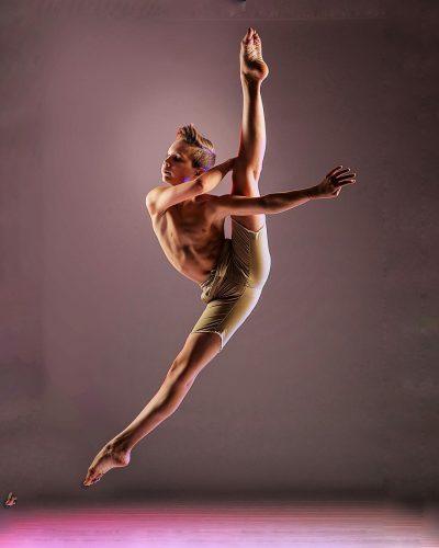 Brady Farrar performing