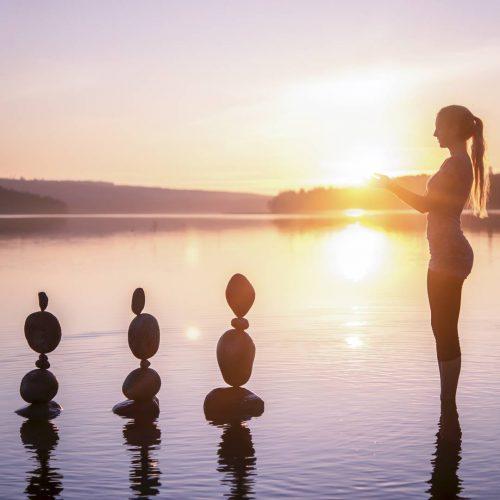 Jonna Jinton's rock balancing