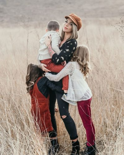 Kodye Elyse with her children