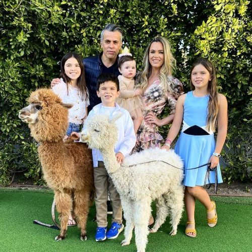 Teddi with her family