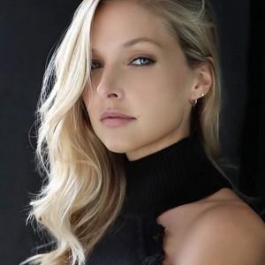 Ashley Smouter