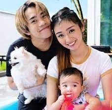 JianHao with his family