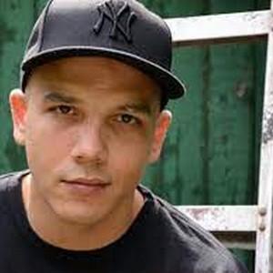 Luis J Gomez