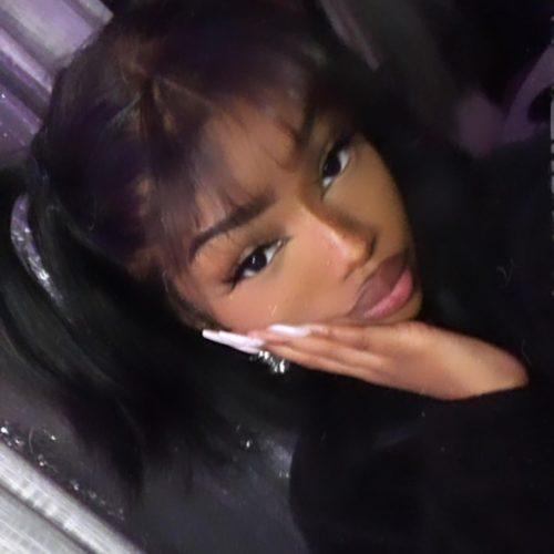 Shania Christian stunning eyelashes