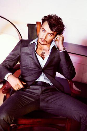Brandon Thomas Lee atractive