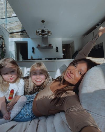 Lou with her daughters