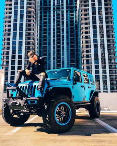 TmarTn on Blue Jeep