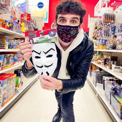 Daniel Gizmo in a supermarket