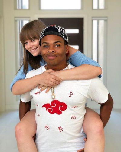 Dang Matt Smith with his girlfriend