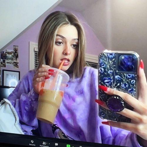 Haley Sharpe taking a mirror selfie