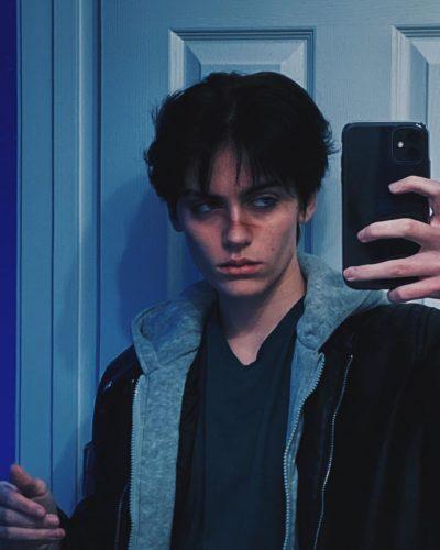 Jesse taking a selfie