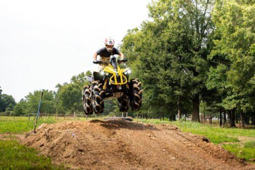 Braydon Price riding