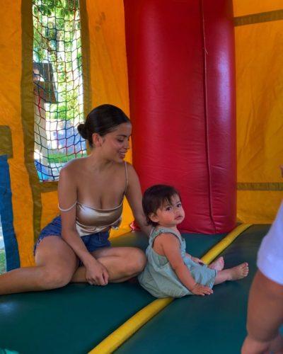 Catherine Gámez with her daughter
