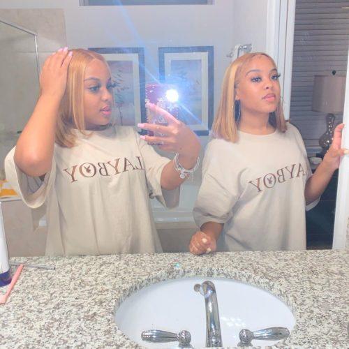 Jaydddaa_ with her twin sister